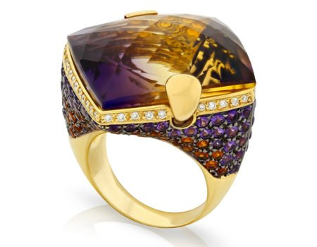 Luxury jewellery sup high res