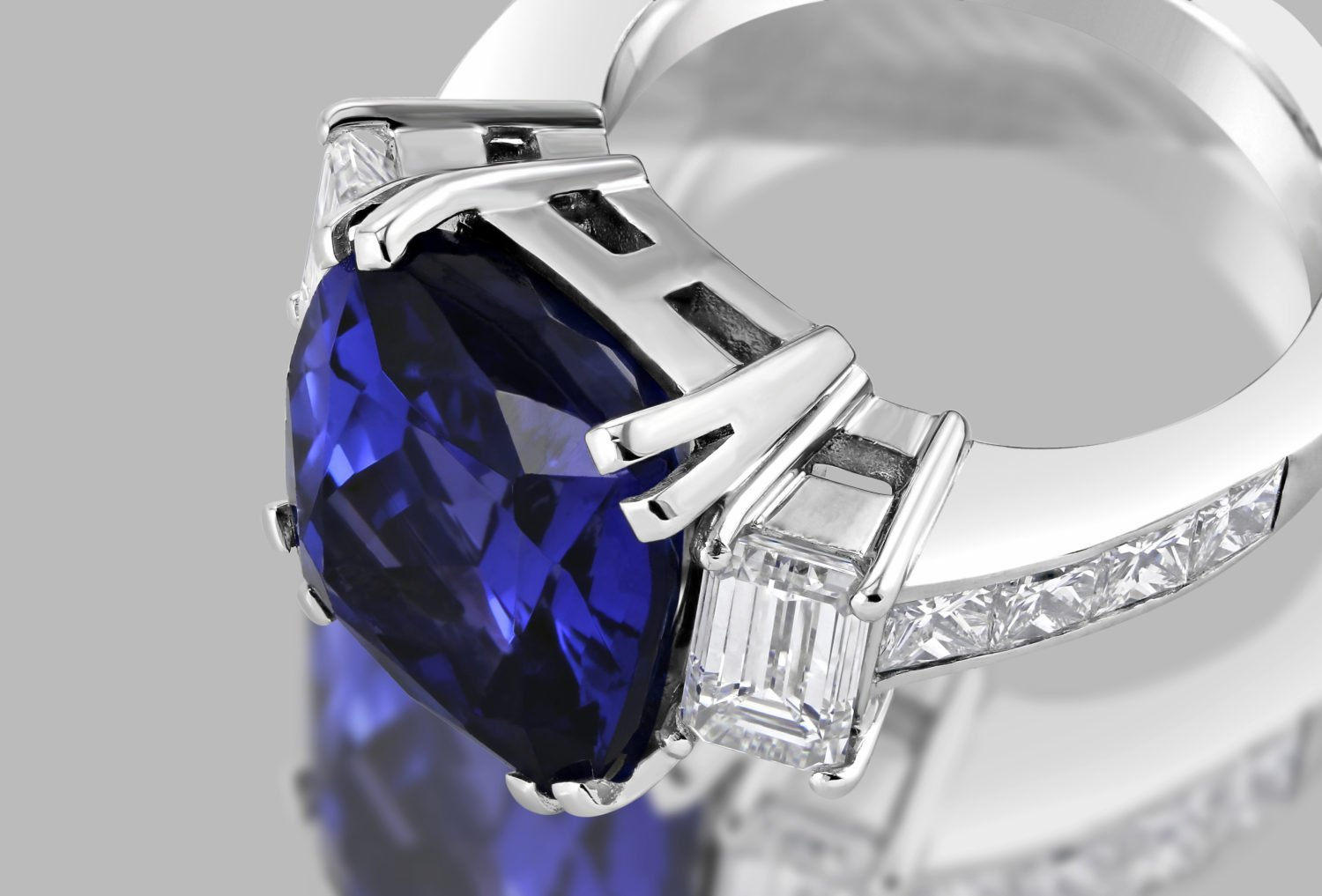 tanzanite ring Retouch